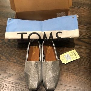 Toms Classics shoes in silver glitter. BRAND NEW